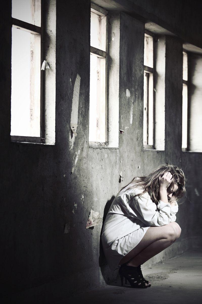 Women_kneeling_frustrated