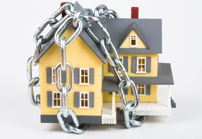 Chained_house
