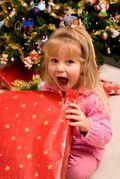 Girl_opening_present