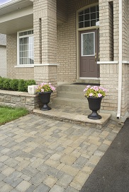 Stone_front_porch_182x272